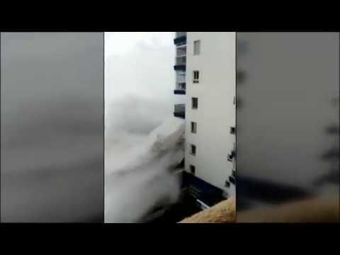 Una ola gigante