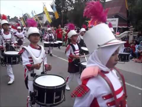 Kumpulan Marching Band Pawai Budaya HUT RI ke 72 Samarinda