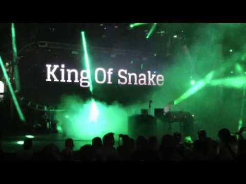 UNDERWORLD Push Upstairs - King of Snake @ ULTRA MIAMI 2017 DAY 3