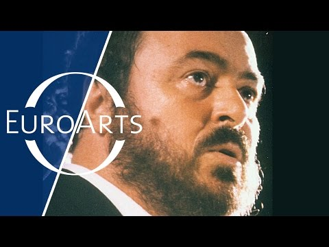 Pavarotti in China, 1986