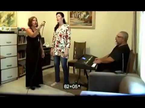 Trio Vocal - Soprano - Contralto e Tenor -  Ave Maria - Whatts  95468 5465