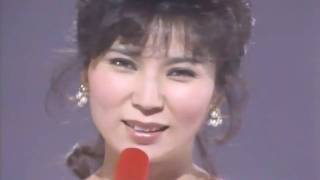 名曲だと思います。 亜紀さんの表情が素敵! Aki's eyes are so beautif...