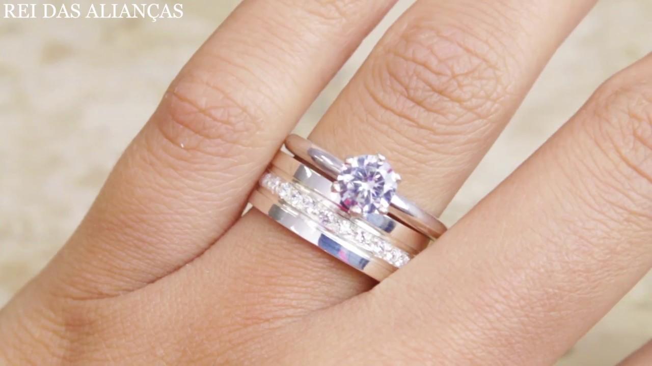 bff837eaf0203 Conjunto Anel + Aliança em prata com diamantes híbridos - Rei das Alianças