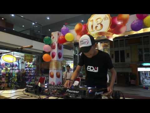 DJ Cilik Keren di acara Mall WTC Matahari 13th Anniversary