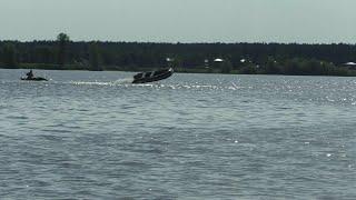 Случай на Каме.  Мужчина выпал из лодки. Моторная лодка без управления.