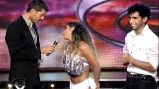 Showmatch 2011 - Cinthia Fernández llevó su hilo dental
