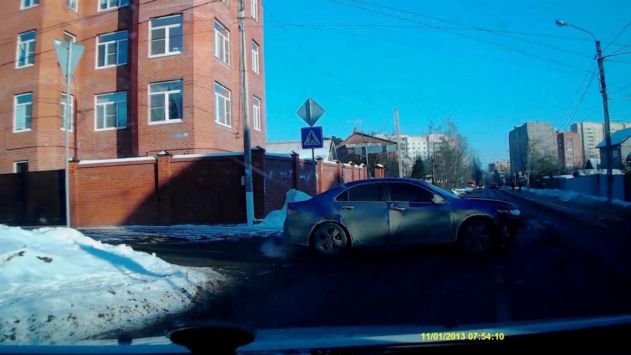 ДТП на перекрестке пр. Кутузова с ул. Октябрьская в Домодедово