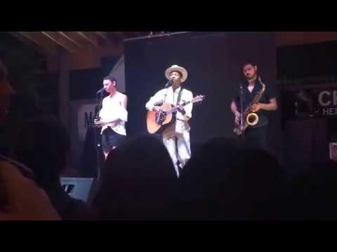 "Leon Bridges sings ""Lisa Sawyer"" in Fort Worth"