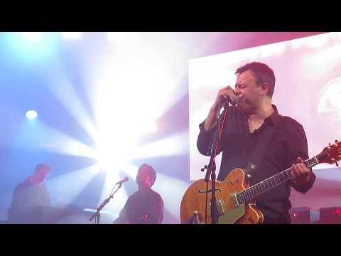 Hold Me Like A Heaven - Manic Street Preachers, Llandudno 01/05/18