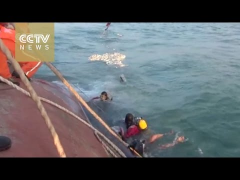 One rescued as boat carrying 9 fishermen capsizes near Shanghai