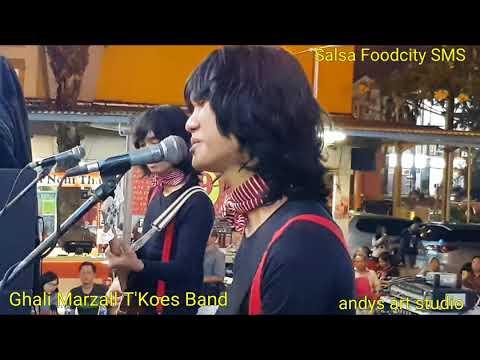 Hatiku Beku by Ghali Marzall T'Koes Band