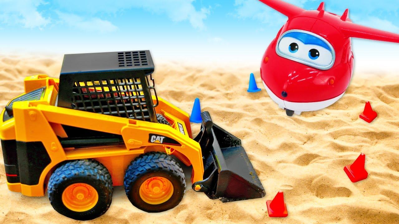 Os veículos de serviço vão construir uma pista de pouso! Vídeos com brinquedo BRIO em português