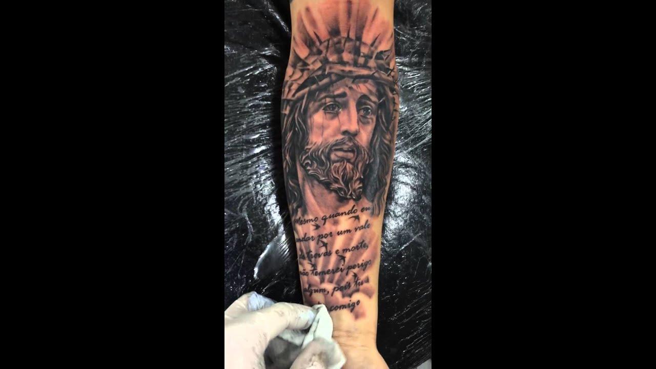 Tatuagem De Jesus Cristo com Letras