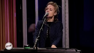 "Agnes Obel performing ""Familiar"" Live on KCRW"
