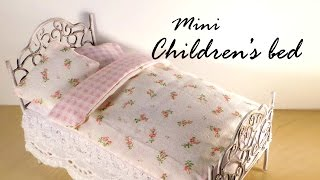 Miniature Furniture; Cute Bed Tutorial - Dolls/dollhouse
