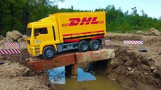 BRUDER truck DHL falls into water