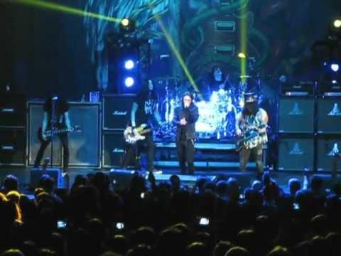Slash – Civil War – live Bucharest 2013 feat. Myles Kennedy