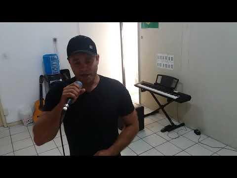 Carlos gonzaga cantando Tempo perdido na aula de canto