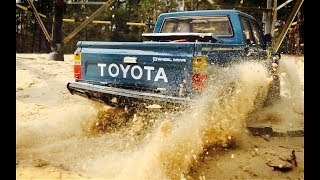 RC Toyota Hilux Sand Dune Bashing / RC SCALE OFF ROAD