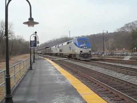 Amtrak's Capitol Limited Rolls Past Point of Rocks Station ...