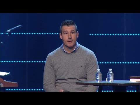 Pastor gets standing ovation after admitting sexual incident with teen
