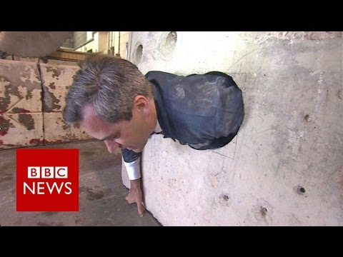 BBC man stuck trying Hatton Gardens vault hole - BBC News