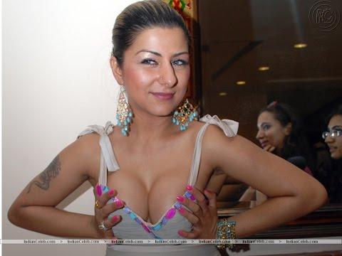 Hard kaur luking hot at Dilliwaali Zaalim Girlfriend music launch