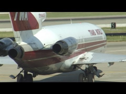 TWA 727s at Lambert Field... Good old memories!!