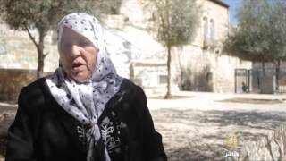 القدس- المرابطة أم أنور في مواجهة المستوطن إيهودا غليك
