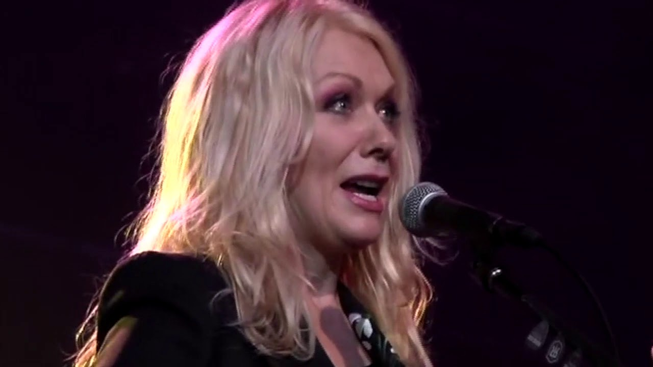 Nancy Wilson Of Heart With Roadcase Royale These Dreams Youtube