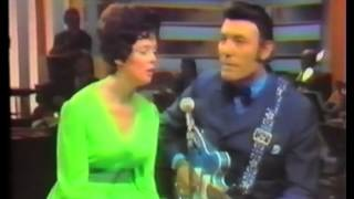 "Carl Perkins & Linda Gale Lewis ""Daddy Sang Bass"""