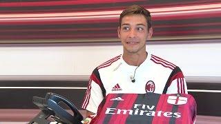 De Sciglio e la linea diretta con i tifosi! | AC Milan Official