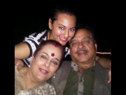 UNSEEN CHILDHOOD AND FAMILY PHOTOS OF SONAKSHI SINHA