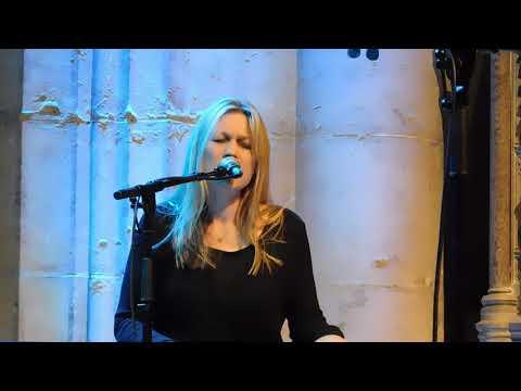 Astrid Williamson - Eve, Live.