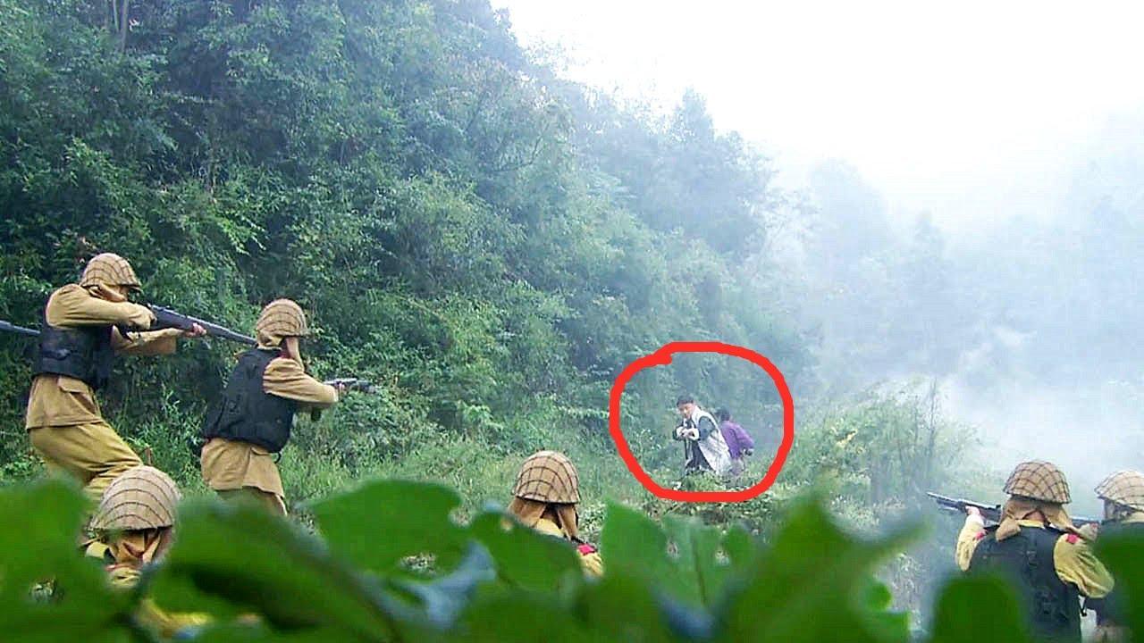 兩個人就敢伏擊日軍小隊,對方還想活捉國軍兄弟,哪料伏兵就在他們身後!