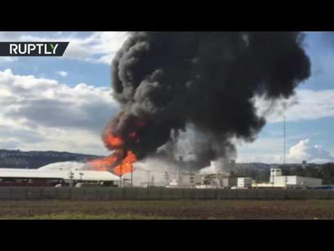 Smoke & flames: Huge fire breaks out at Haifa oil refinery in Israel