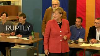 Germany: Merkel casts her vote in federal election