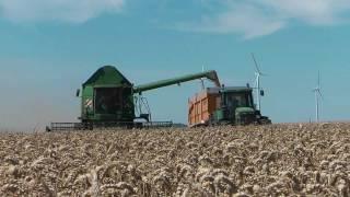 John Deere CTS, 8520, 8400 & bennes Joskin Trans-space 8000/27 - wheat harvest