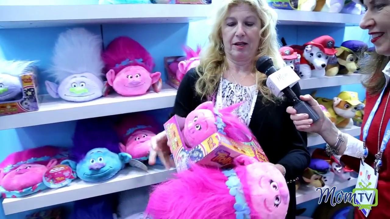 dreamworks trolls pillow pets toyfair 2017
