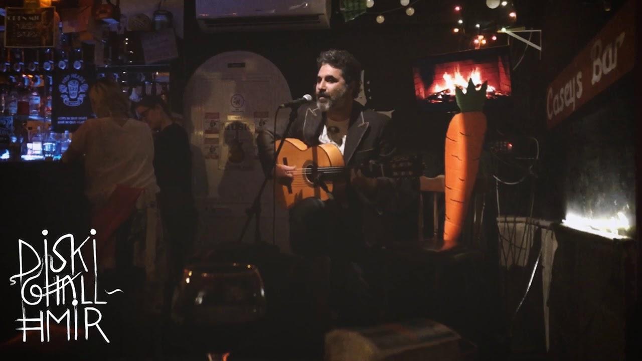 Mjaw bl'ewwel dehra spontanja gewwa il-Casey's Bar, Malta
