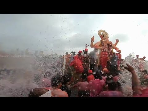 Lalbaugcha Raja Murti Visarjan 2018 At Girgaon Chowpatty - Mumbai Biggest Idols Immersion 2018