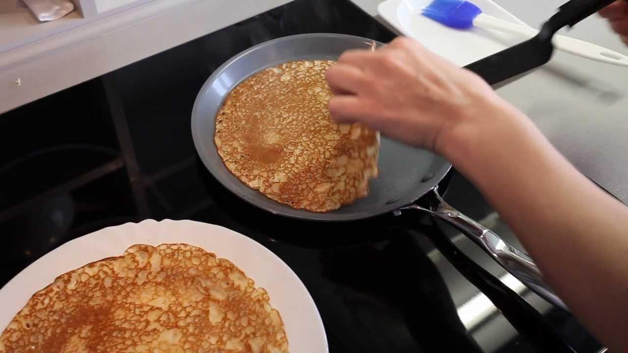 Видео как готовить блины на блиннице видео