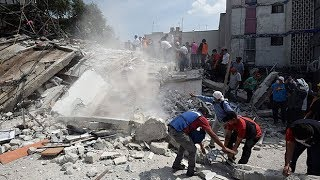 Buildings sway and people panic as 7.1 magnitude earthquake strikes Mexico thumbnail