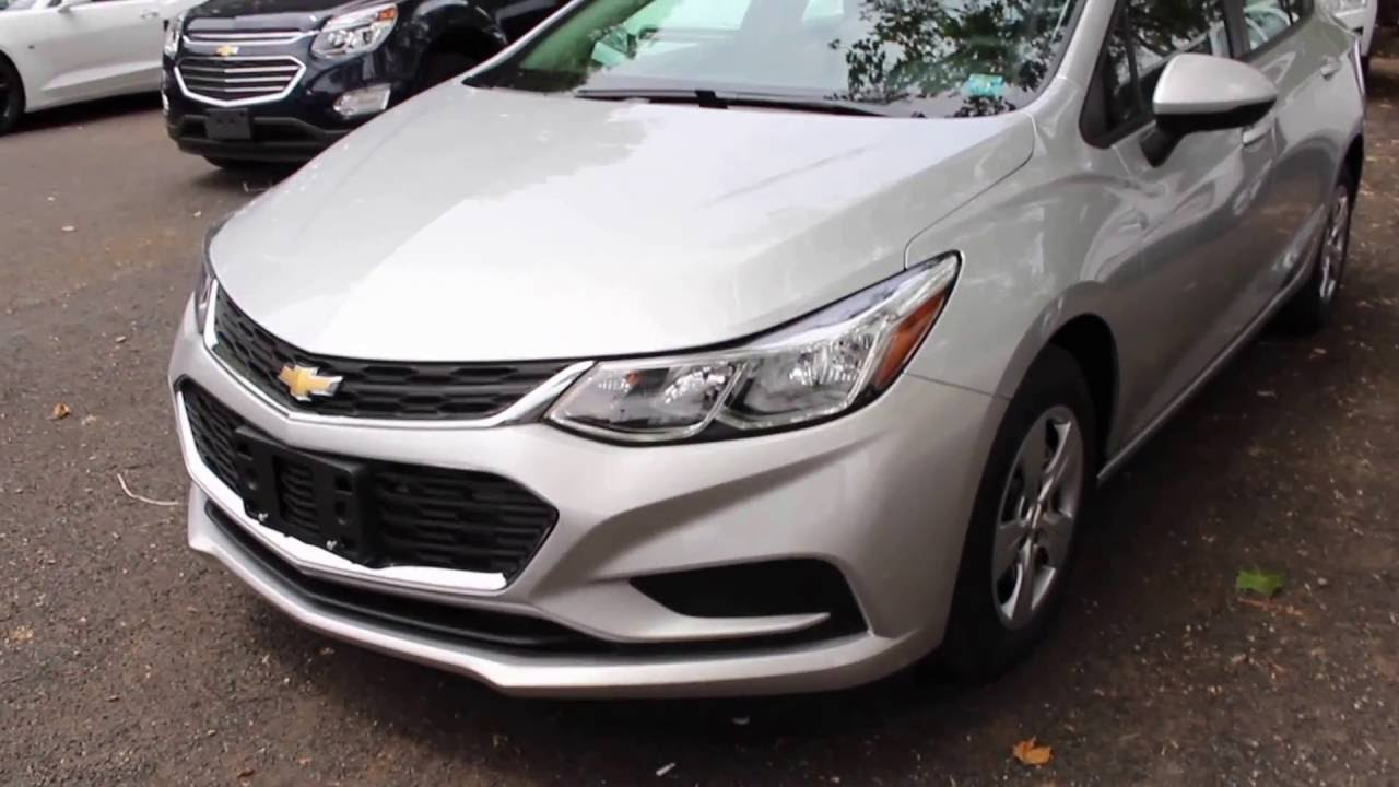 2016 Chevrolet Cruze Ls Full Tour Start Up