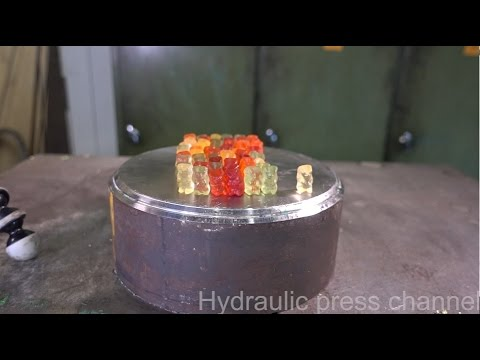 Crushing gummy bears with hydraulic press