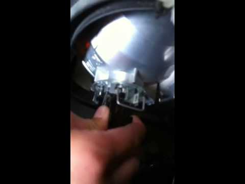 How To Replace Your Headlight For A Mercedes Sprinter 11ye