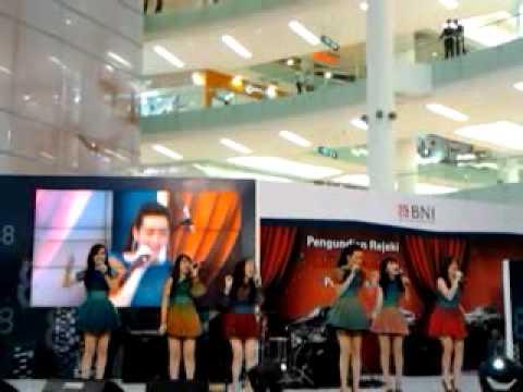 Tina with Dgirls @ Gandaria City || 29-01-2011|| Princes Tag