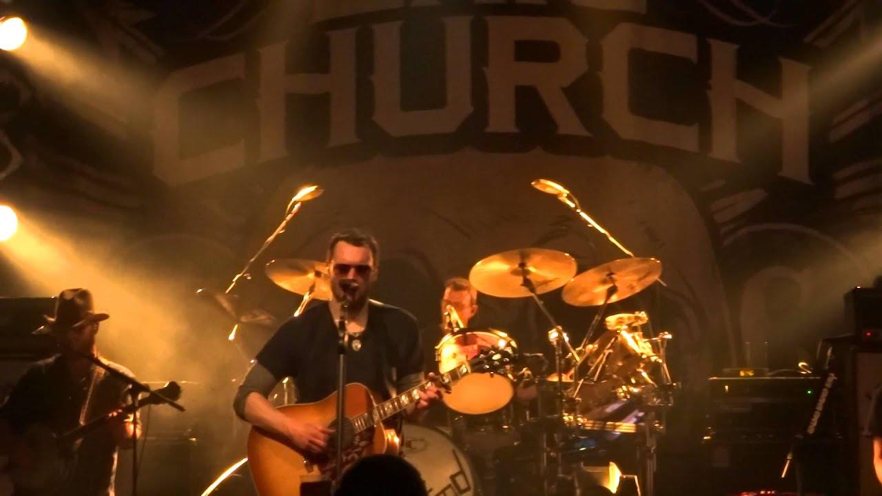eric-church-like-a-wrecking-ball-misstress-named-music-live-hamburg-03032016-scharlih82