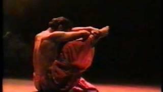 santosh nair contemporary  and mayurbhanj chhau dancer sadhya.com