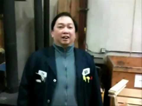 Chinese guy sings Christmas carols